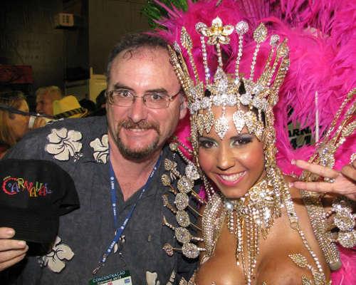 Дикий бразильский карнавал нагишом сосков