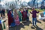 Прогулка с коромыслом. Пасха в Старочеркасской 2011